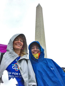 Tami Carlow and Kristen Swanson at the rainy Science March