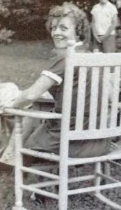 Mom_Rusty_rocking_chair_v2